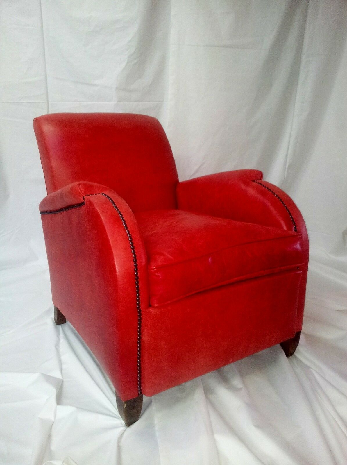 Club Art Deco French 1920 Leather Red