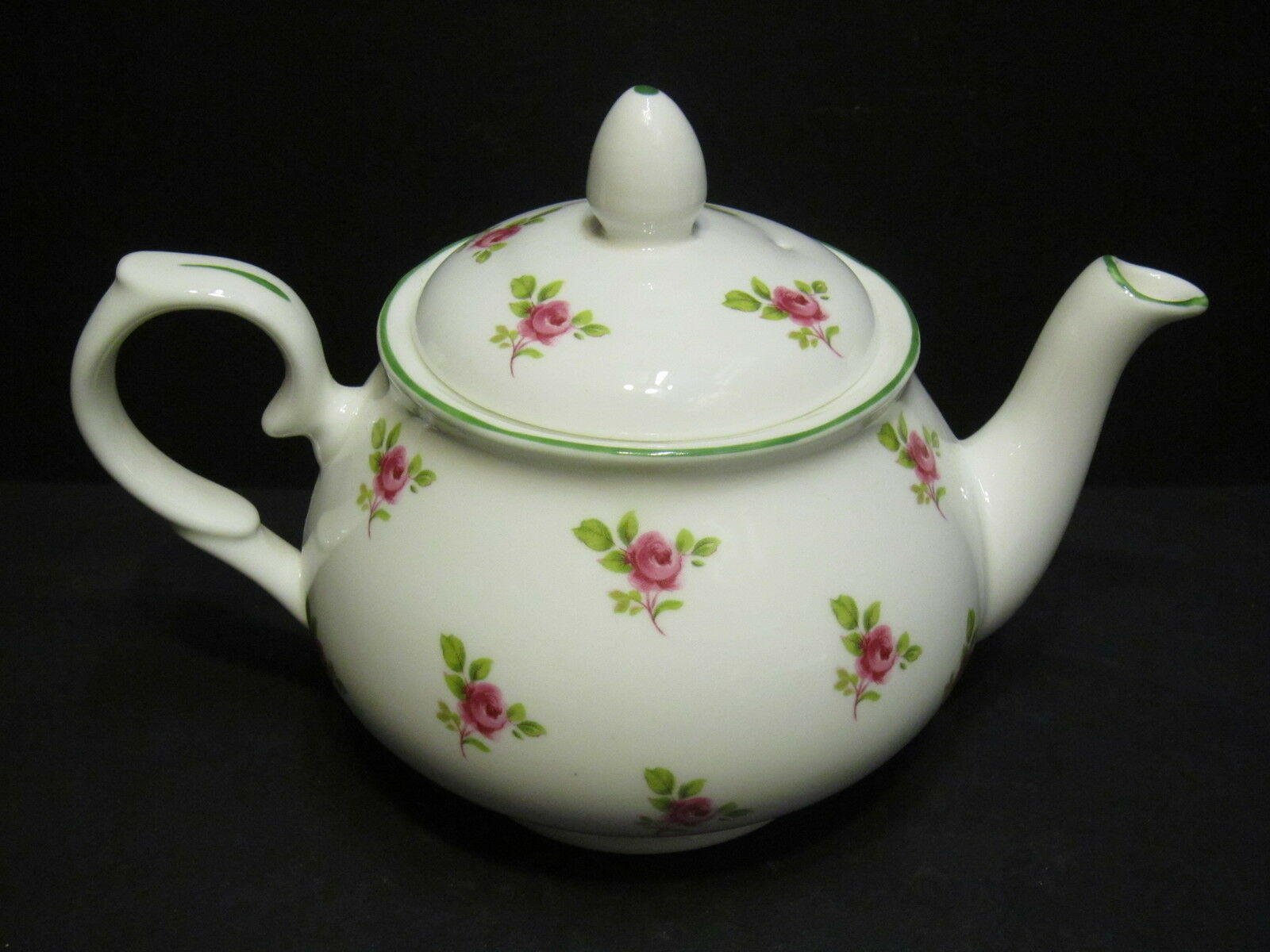 dot rose english fine bone china 2 cup tea pot by milton china green rim eur 16 37 picclick nl. Black Bedroom Furniture Sets. Home Design Ideas
