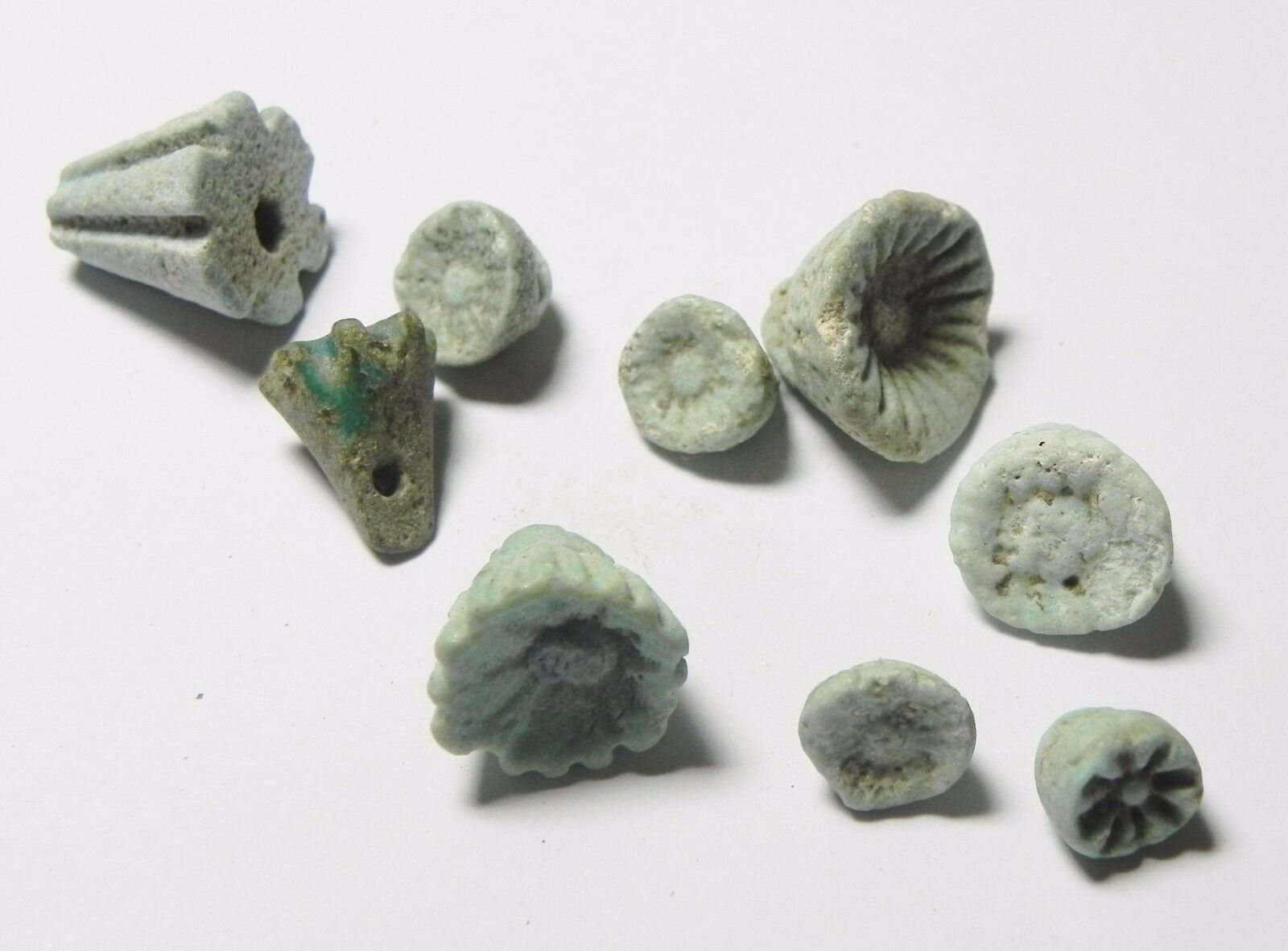 Zurqieh -Af477- Ancient Egypt - Lot Of 9 Faience Lotus Flower Amulets. 1075-600