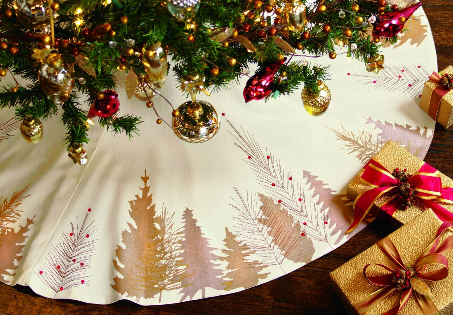 TAG SHIMMER Christmas Tree Skirt