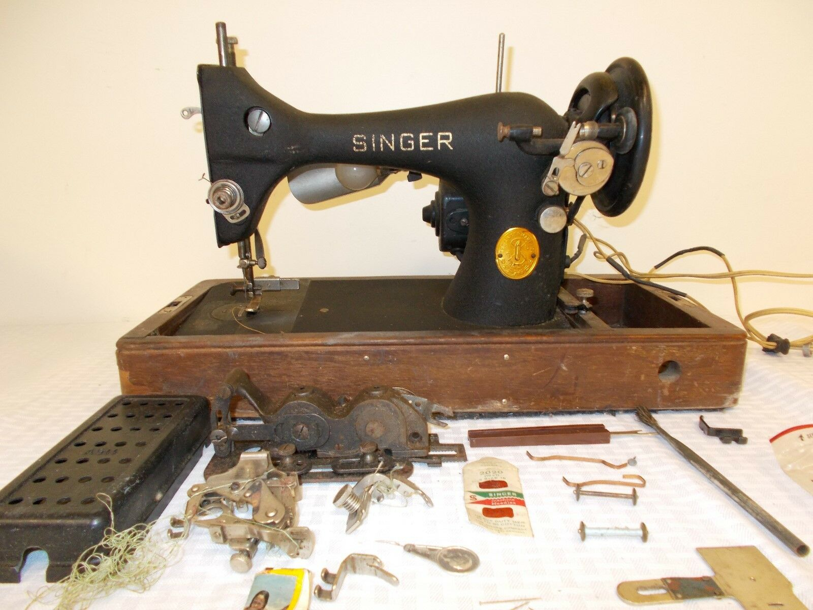 Singer Sewing Machine 1941 Vintage Model 128 Electric Bobbinbox Necchi Bu Threading Diagram 1 Of 6 See More