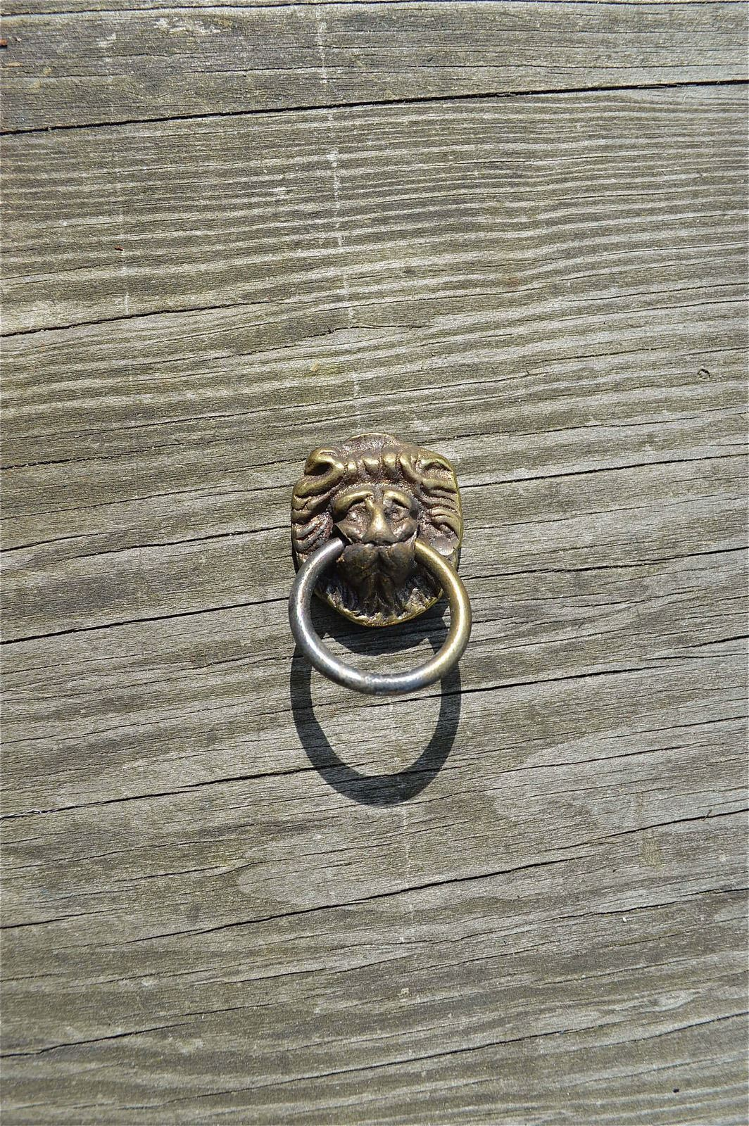 Good Quality Old Small Lions Head Brass Furniture Handle Chest Drawer Pull Ba3