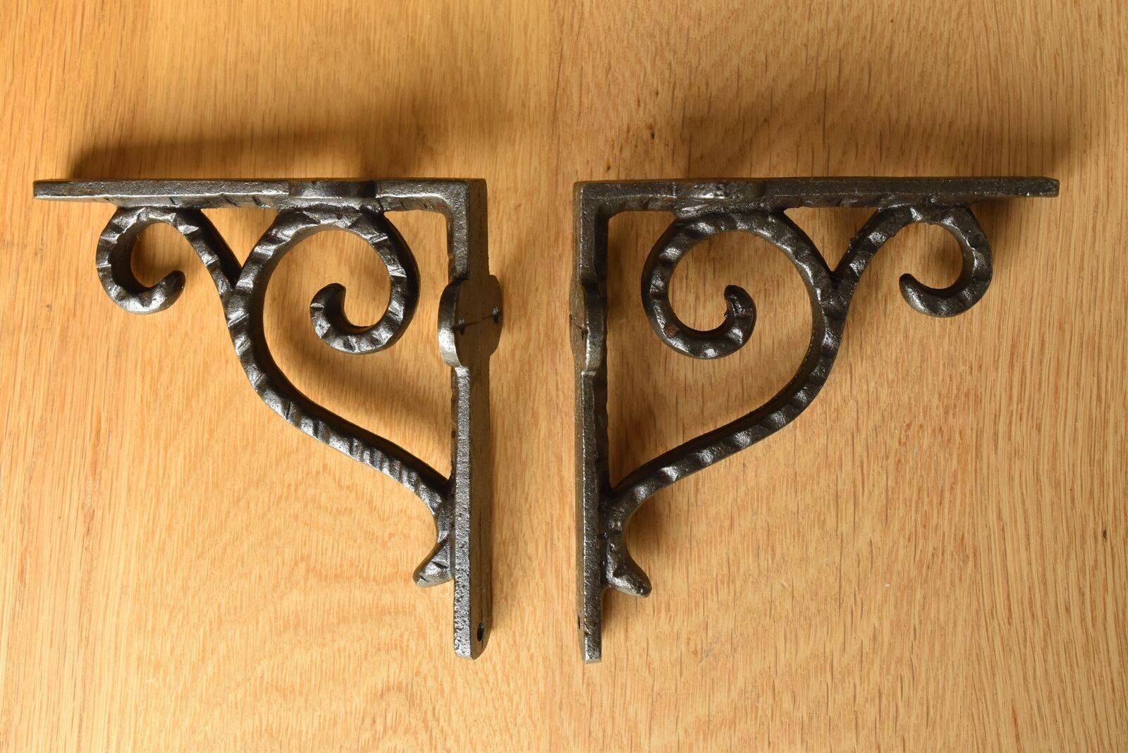 A Pair Of Antique Style Small Hammered Iron Brackets Cast Iron Shelf Bracket