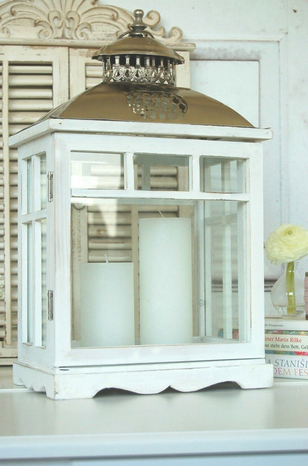 Gro e landhaus laterne windlicht in shabby chic weiss holz for Laterne landhaus