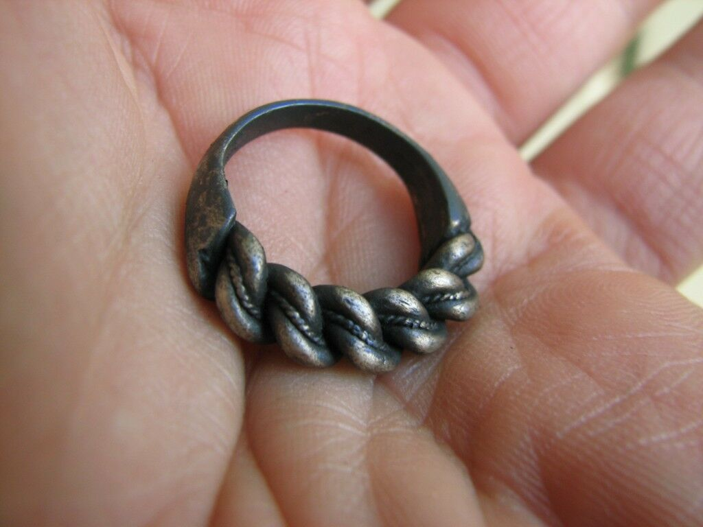 VERY NICE POST MEDIEVAL or VINTAGE  SILVER TWISTED  RING  #5046