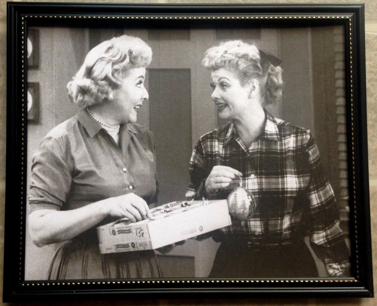 old rare i love lucy christmas frame tv movie room picture framed 1 of 1free shipping - I Love Lucy Christmas