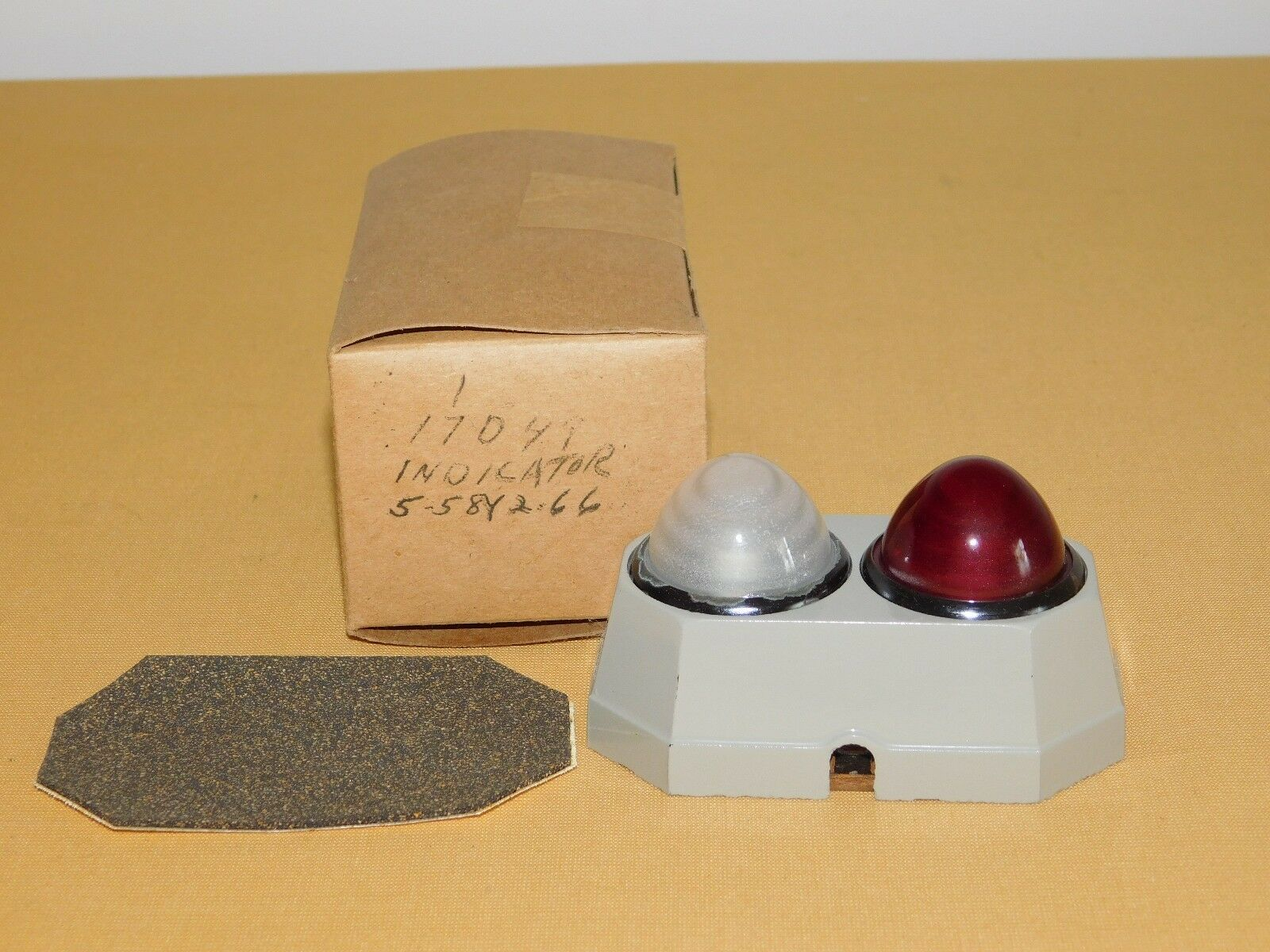Vintage 3 4 High Red White Indicator Lights Unused In Box Nos 5pcs 24v 8mm Led Power Signal Light Xd8 1 Ebay Of 8only Available