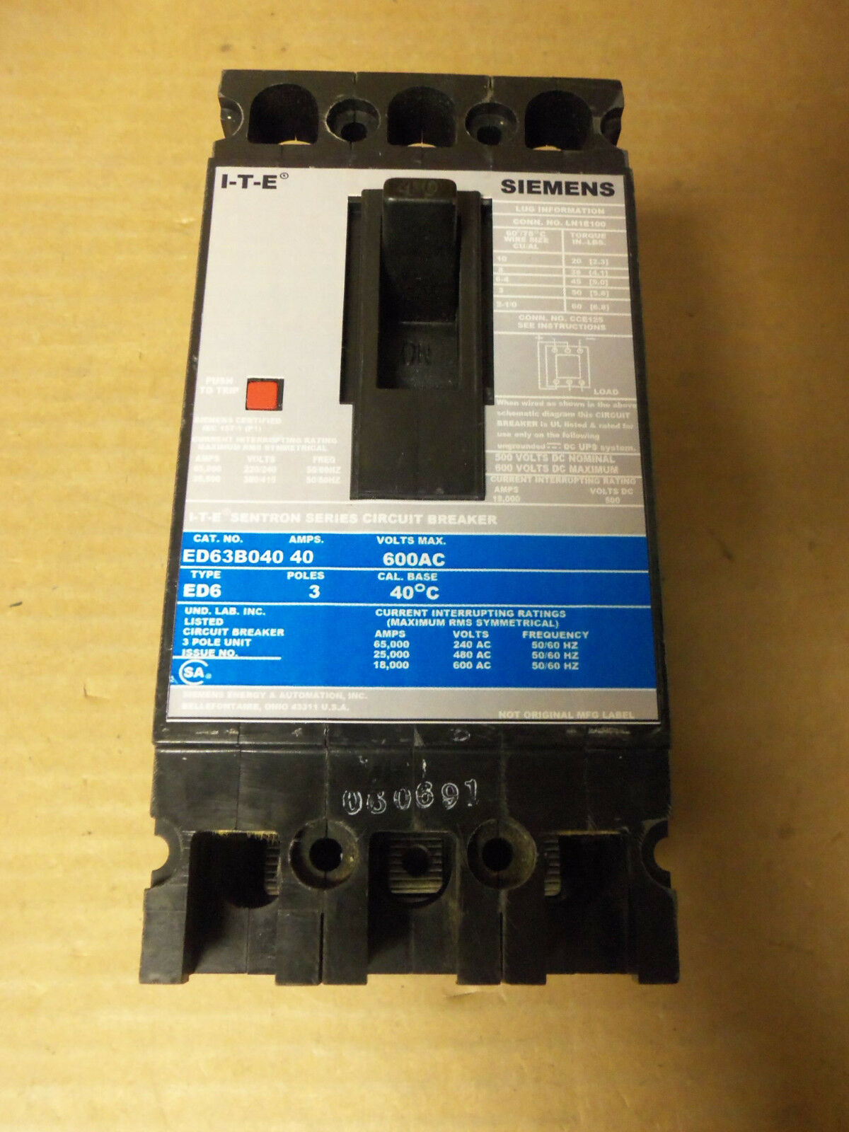 Siemens Ed Ed63b040 3 Pole 40 Amp Circuit Breaker Gray Blue Label Ur Dc Wiring Diagram 1 Of 2only Available