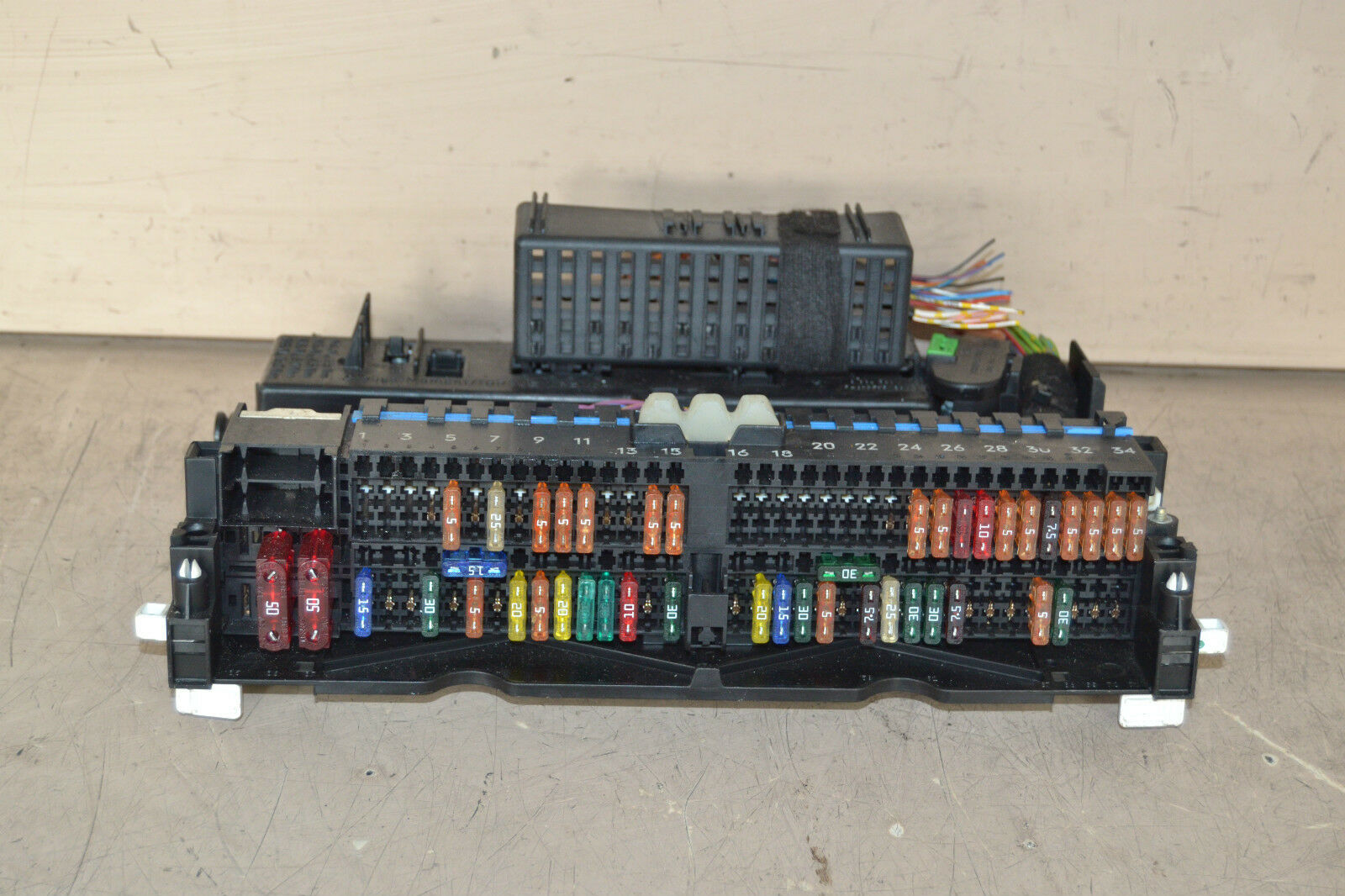 Bmw 3 Series Fuse Box E46 Compact 318 Petrol Fuse Box 2002 1 of 1Only 1  available ...