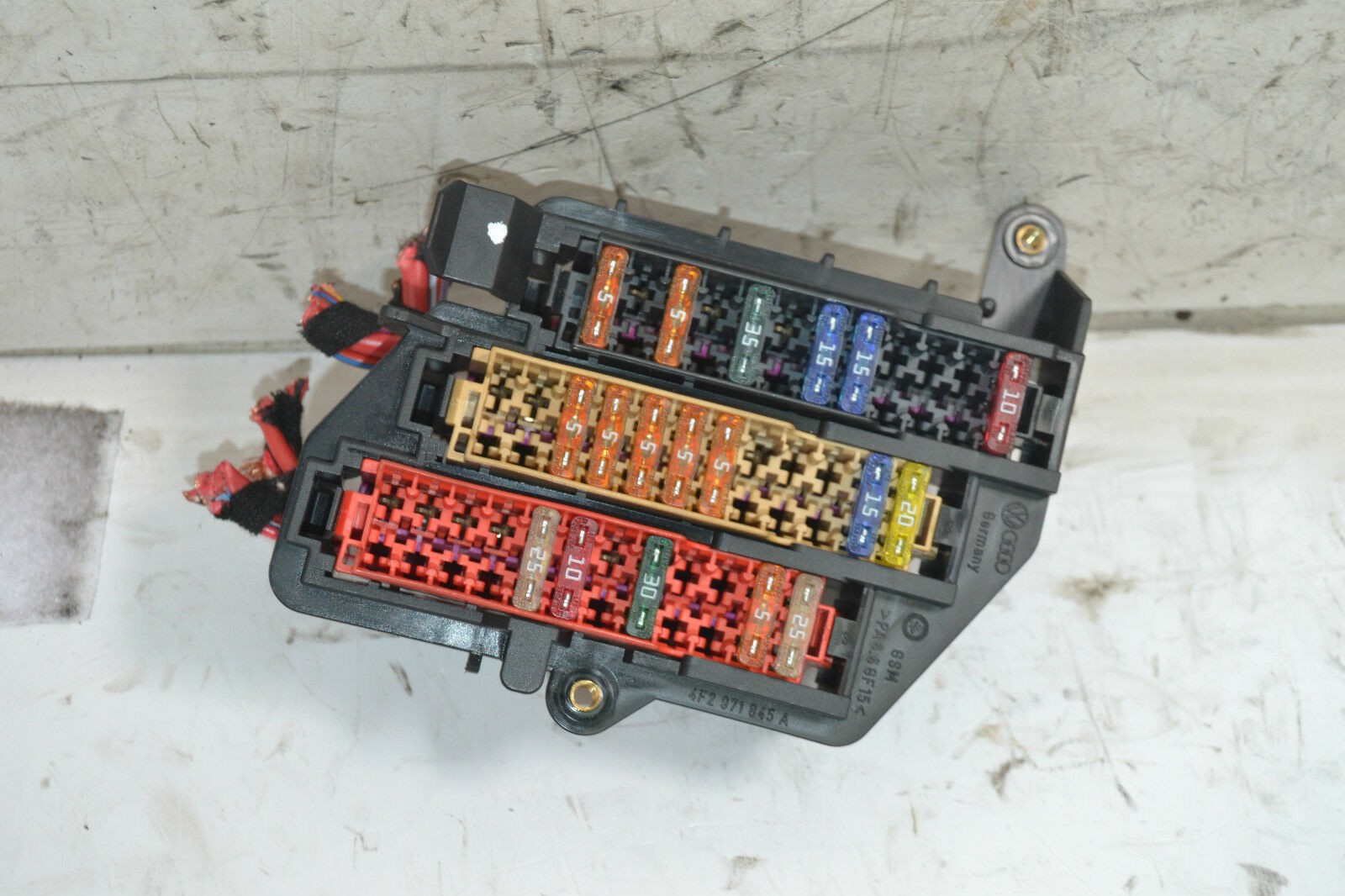 fuse box in audi a6 2006 trusted wiring diagram rh dafpods co Fuse Box Location Trunk Fuse Box Diagram