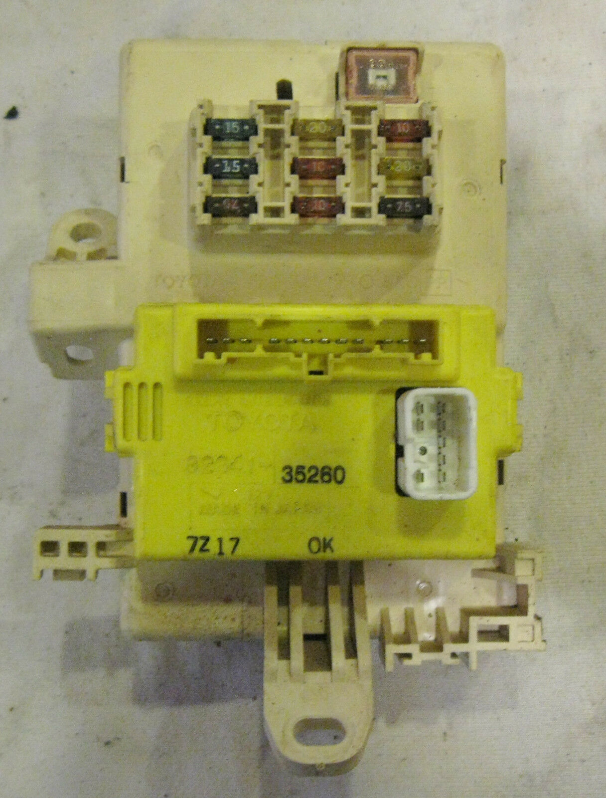 1998 Toyota 4runner Limited Main Fuse Panel Relay Integration Box 98 1 Of 2only 2 Available