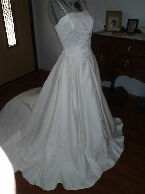 Sz 12 Impression Ivory bridal gown w/ cathedral train