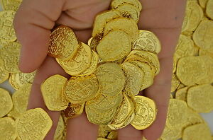 LOT-OF-100-SHINY-GOLD-TOY-PIRATE-TREASURE-COINS-ATOCHA-DOUBLOONS-COBS