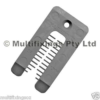 100pcs - 40mm x 75mm, 10mm Thick SOLID PLASTIC HORSESHOE WINDOW PACKERS