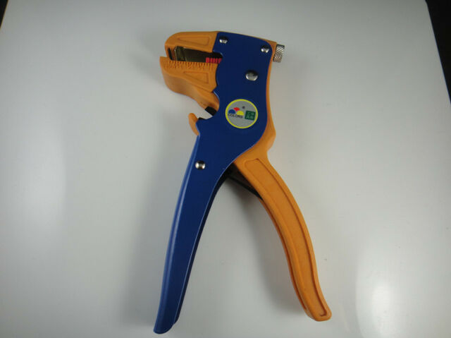 Multi-Function Stripper Cutter For Wire/Cable