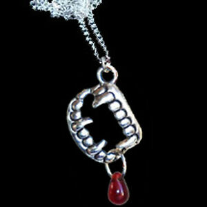 True-Gothic-VAMPIRE-FANG-BANGER-TEETH-w-BLOOD-NECKLACE-Halloween-Costume-Jewelry