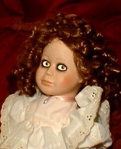 HAUNTED-Antique-Porcelain-Doll-034-EYES-FOLLOW-YOU-034-OOAK