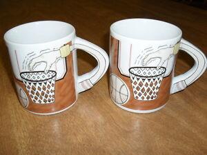 Set-of-2-ceramic-BASKETBALL-PLAYERS-COFFEE-MUGS-with-Arm-Handle-over-Basket