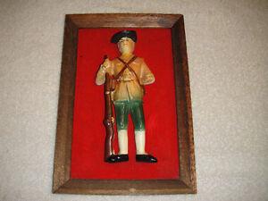 Vintage-Minuteman-Ceramic-Figure-On-Wood-Frame-Japan