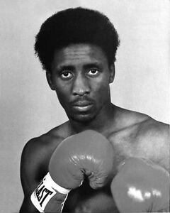 American-Boxer-THOMAS-HITMAN-HEARNS-Vintage-8x10-Photo-Boxing-Print-Portrait