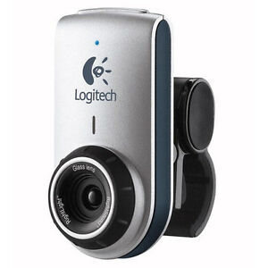 Logitech-QuickCam-for-Notebooks-Deluxe-Laptop-Webcam-Video-Chat-w-Skype-More