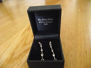 pair of 925 silver earrings with stones - <span itemprop=availableAtOrFrom>Ringwood, United Kingdom</span> - returns accepted within 7 days ! no return postage fee is refunded Most purchases from business sellers are protected by the Consumer Contract Regulations 2013 which give you the right t - Ringwood, United Kingdom