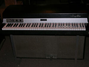 Fender-Rhodes-Mark-I-Stage-73-Suitcase-Piano