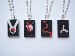 BLACK-TWILIGHT-SAGA-MINIATURE-BOOK-PENDANT-NECKLACE