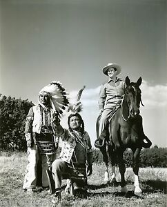 ORIGINAL-B-W-ACTOR-DENNIS-MORGAN-TWO-GUYS-FROM-TEXAS-1940s-WARNER-BROS-PHOTO-3