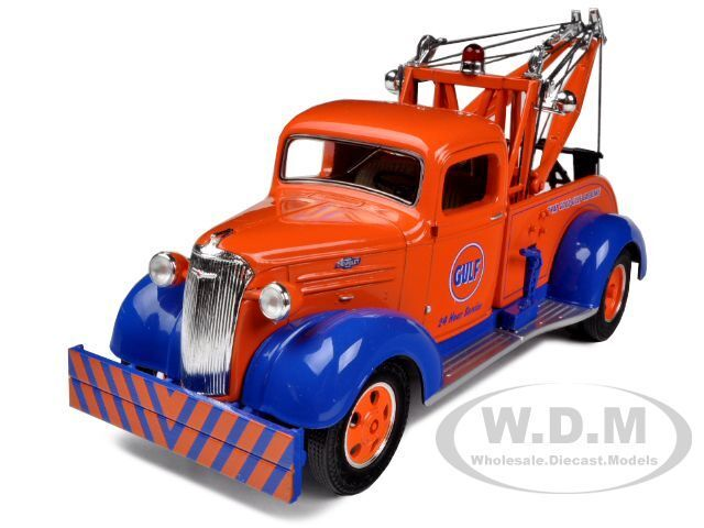 1937 CHEVROLET TOW TRUCK GULF OIL 1/34 DIECAST MODEL BY FIRST GEAR 19-3940