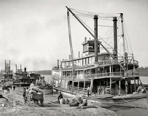 PADDLE-WHEEL-STEAMBOAT-STEAMSHIPS-RIVER-BOAT-LOUISIANA-MISSISSIPPI-RIVER-PHOTO