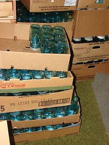 BALL-AQUA-BLUE-MASON-PINT-WEDDING-DECOR-FRUIT-JARS-W-ZINC-LID-100-Available