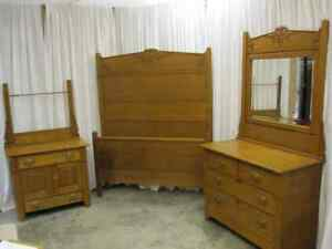 Antique-3-Piece-Bedroom-Set-Golden-Oak-High-Back-Bed