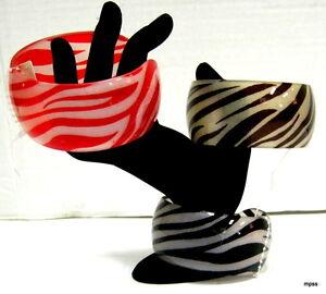 Fashion-Zebra-Print-Bangle-Bracelet-Plastic-Open-Ended-NWT