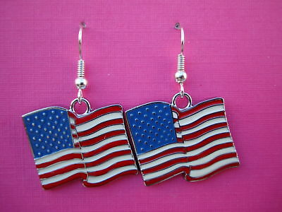 FUNKY AMERICAN FLAG EARRINGS USA STARS STRIPES RETRO NOVELTY COOL KITSCH FUN EMO