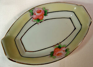 VINTAGE-NORITAKE-PINK-ROSES-with-YELLOW-GOLD-DECORATED-BORDER-OVAL-OPEN-SALT