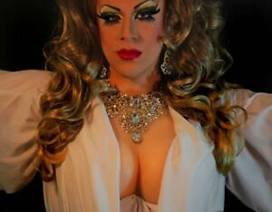 Silicone-Breast-Forms-With-Gorgeous-Cleavage-For-Crossdressing-Transvestite