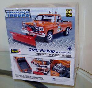 Revell-Plastic-Model-kit-85-7222-1-24-GMC-Pick-Up-w-Snow-Plow-IN-STOCK-NOW