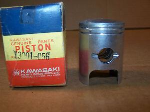 KAWASAKI-KH250-S1-MACH-I-NEW-OEM-NOS-STANDARD-PISTON-KH-250-13001-056