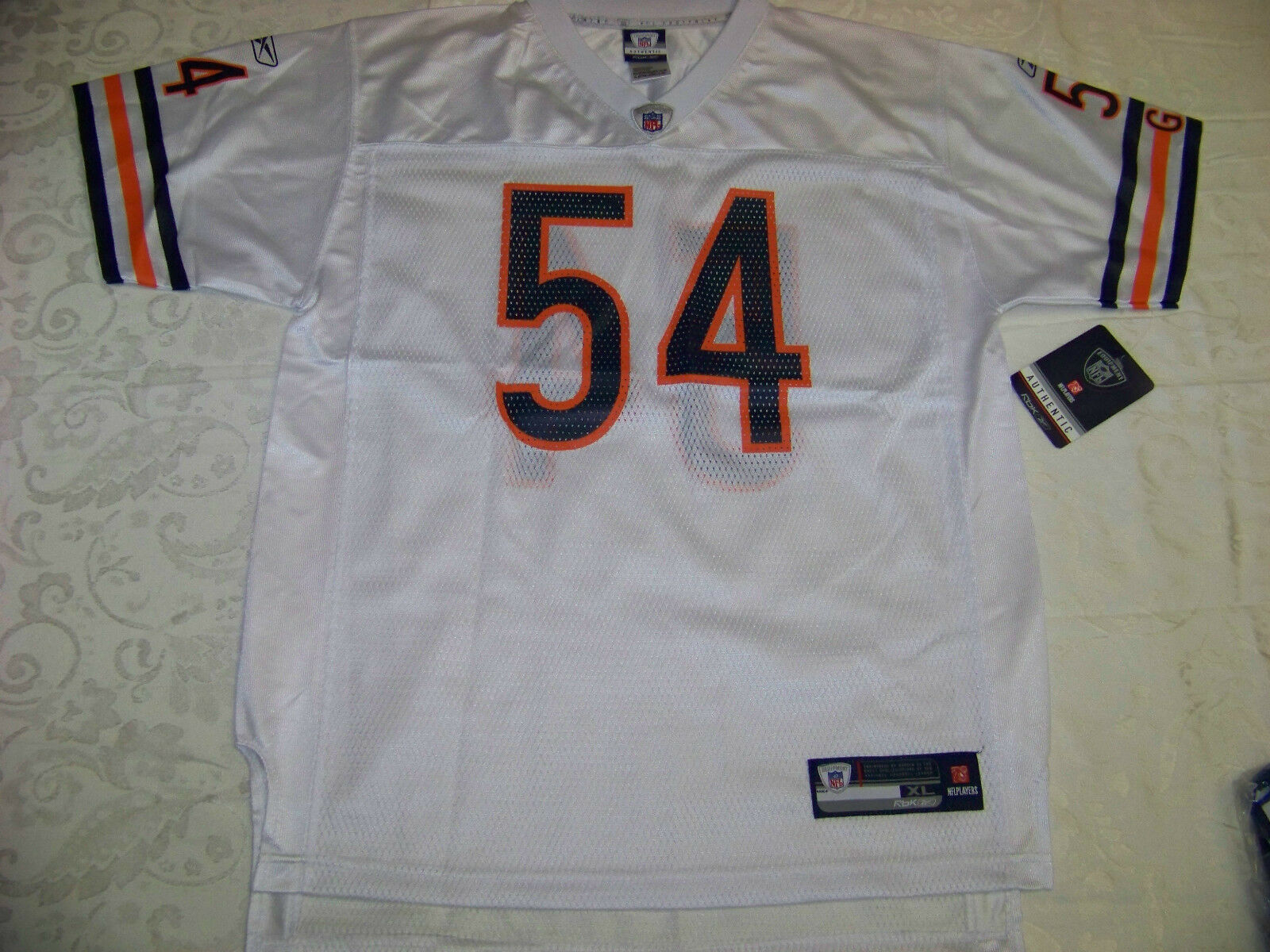 644e49dfb ... Reebok Youth Jersey Chicago Bears 54 Brian Urlacher NWT XL ...