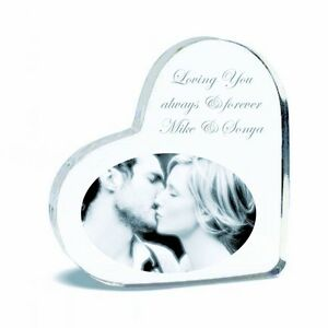 PERSONALIZED-ACRYLIC-HEART-KEEPSAKE-WITH-TEXT-PICTURE-CUSTOM-ENGRAVED-FREE