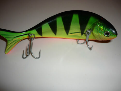 New Toothy Critter Zombie Floating Lure for Pike /& Predator Fishing FREE P/&P!