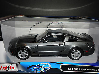 Maisto Ford Mustang GT 2011 Grey 1/24