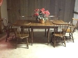 Vintage Pennsylvania House Early American Dining Table With 6