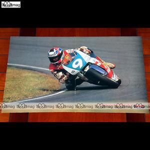 JEAN-PHILIPPE-RUGGIA-sur-sa-GILERA-250-N-9-a-ASSEN-en-1992-Poster-MOTO-PM558