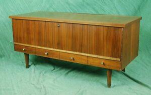 Lane-Mid-century-Danish-Modern-Style-Cedar-Chest-Bench