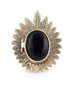 NICOLE-RICHIE-HOUSE-OF-HARLOW-1960-Antique-Gold-Enamel-Large-Locket-Ring