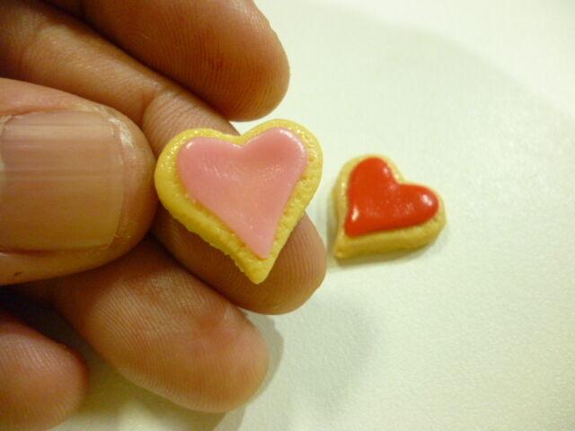 50 Pcs.Miniature Cookies Heart Shape 1.5 cm.diameter Free Ship! (25Red+25Pink)