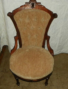 Walnut-Carved-John-Jelliff-Sidechair-Parlor-Chair-SC26