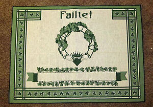 Failte ~ A Hundred Thousand Welcomes ~ Irish Claddagh Ring Tapestry Accent Rug